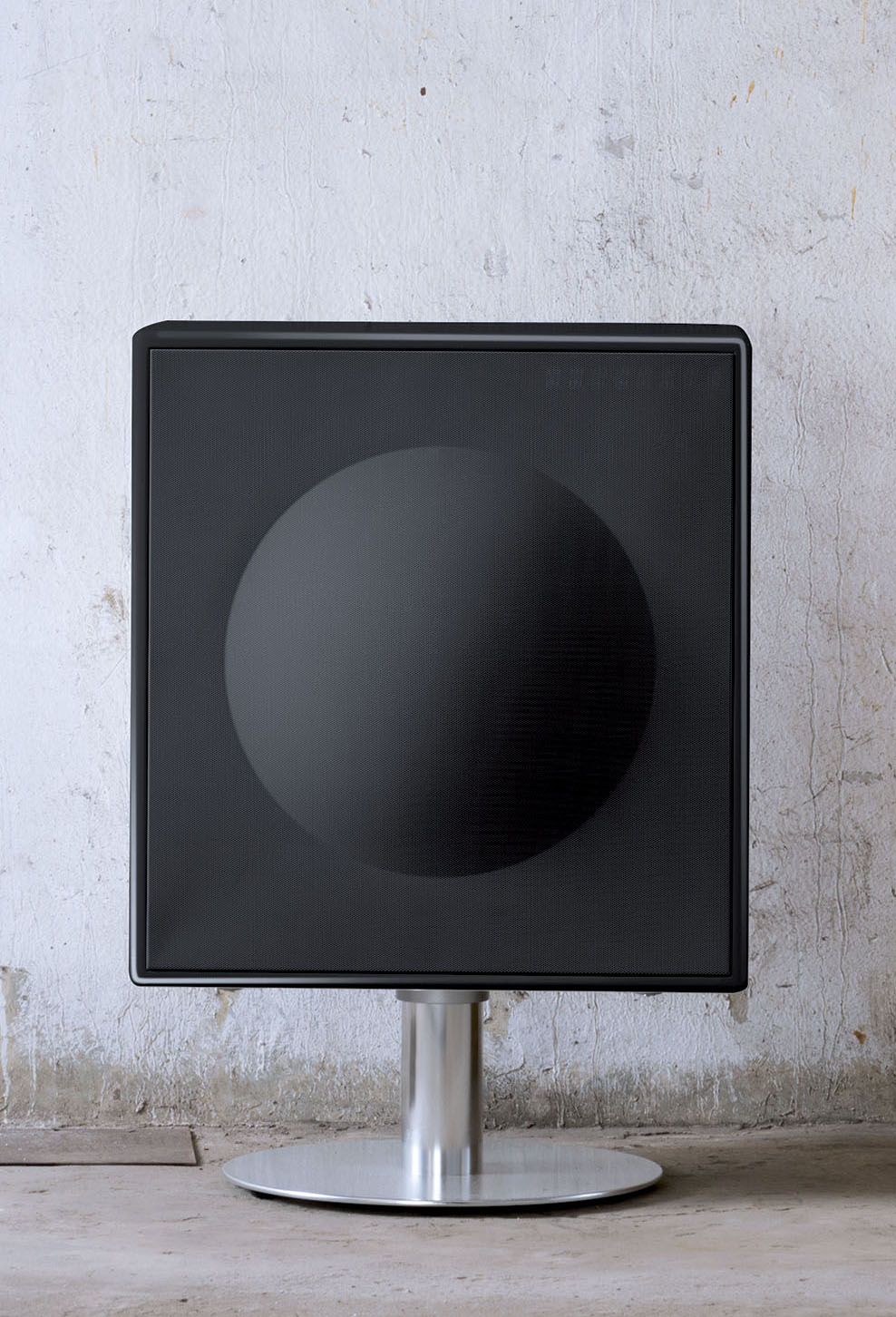 Model XL radical black